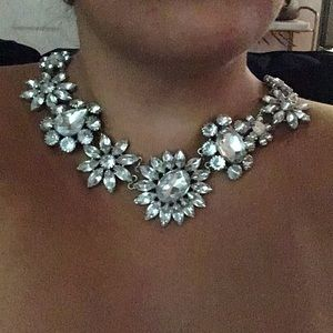 Gorgeous White House Black Market Costume Necklace